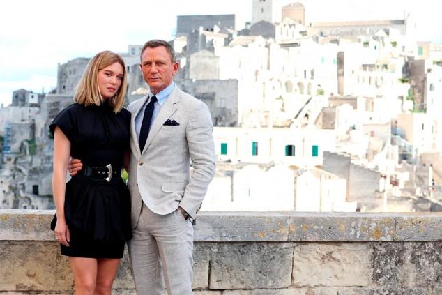 Léa Seydoux y Daniel Craig en uno de los escenarios de la película - SoyMotor.com
