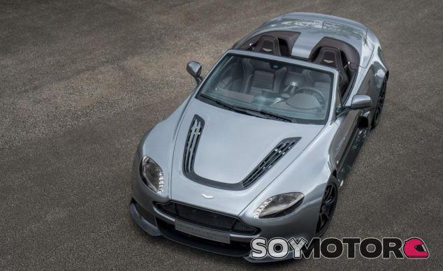 Aston Martin crea su primer Coche Cliente, el Vantage GT12 Roadster