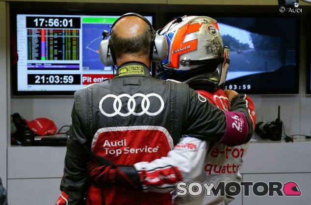 Wolfgang Ullrich y Marcel Fässler durante las últimas 24 horas de Le Mans - LaF1