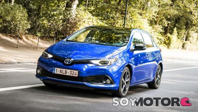 El actual Toyota Auris da sus últimos coletazo de vida exclusivamente como híbrido - SoyMotor