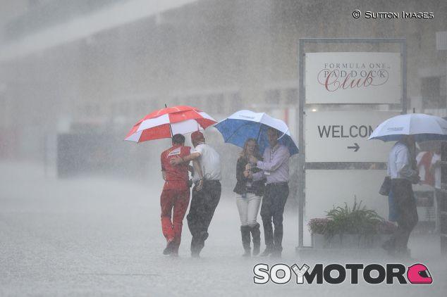 ¡Todos a cubierto! El diluvio llegó a Austin y fue imposible salir al asfalto - LaF1