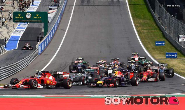 """Ecclestone, preparado para una F1 """"con ocho equipos y tres coches"""""""