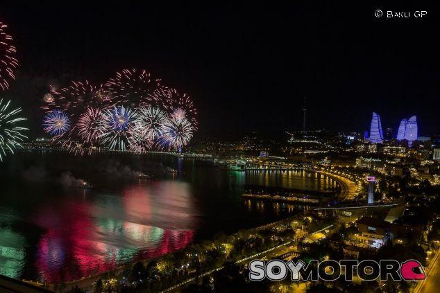 El circuito de Bakú de noche - LaF1