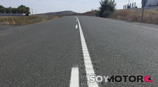 La DGT instalará bandas sonoras en vías convencionales peligrosas - SoyMotor.com
