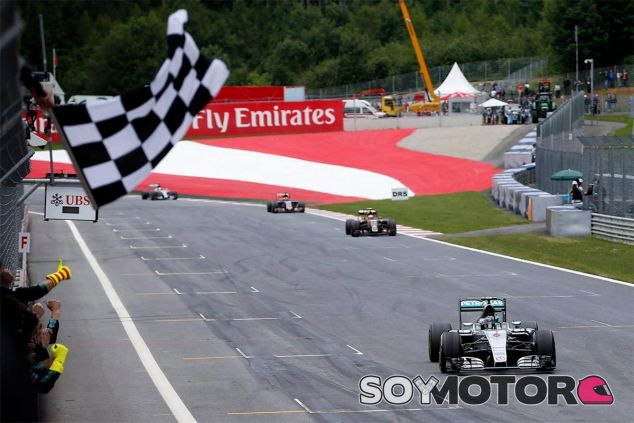 Nico Rosberg toma la victoria en Austria 2015 - LaF1