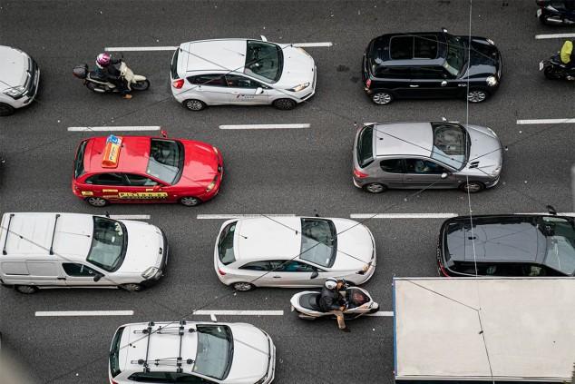Barcelona tiene en el punto de mira los coches con etiqueta B de la DGT - SoyMotor.com