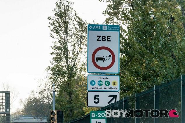 Señal de la Zona de Bajas Emisiones de Barcelona - SoyMotor.com