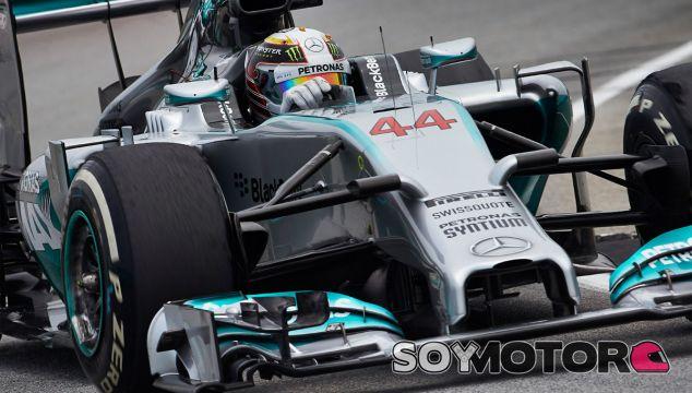Lewis Hamilton a los mandos de su W05 - LaF1