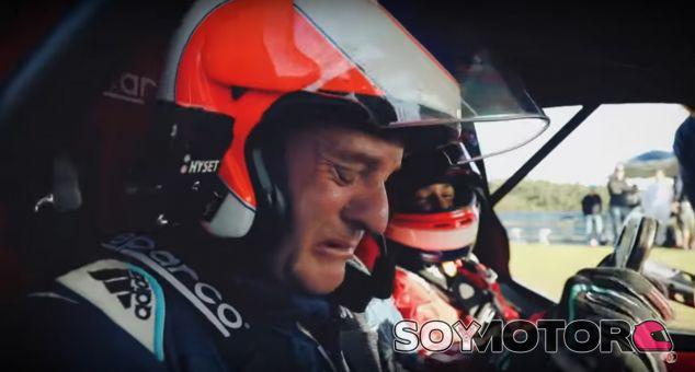 Fotograma del reportaje, con 'Rubinho' de copiloto - SoyMotor.com