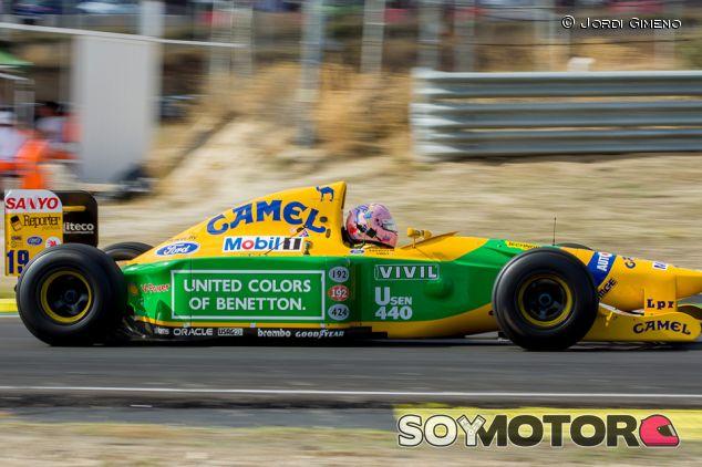 Lorina McLaughlin en el Benetton B192 - SoyMotor.com