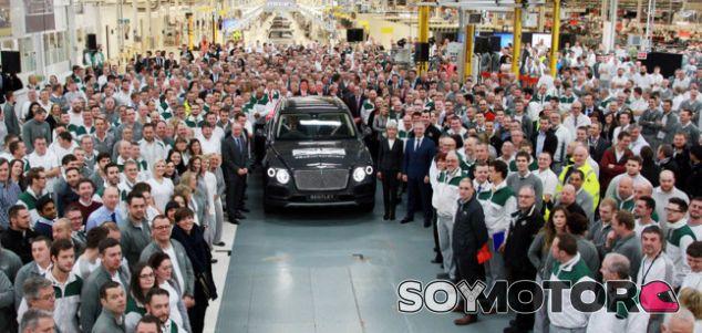 Primera unidad producida del Bentley Bentayga -SoyMotor