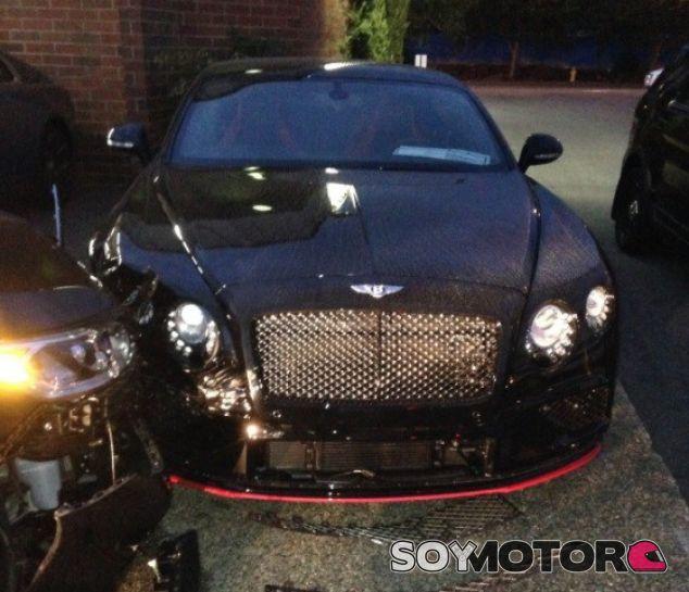 Choque en concesionario de Bentley - SoyMotor.com