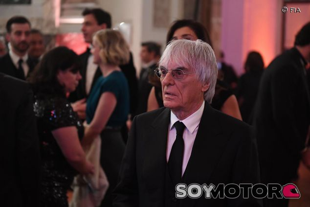 Bernie Ecclestone en la gala de la FIA - SoyMotor