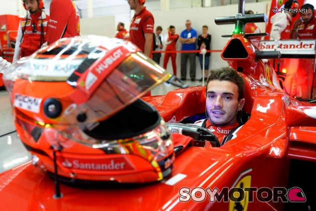 Jules Bianchi subido al Ferrari en el test de Silverstone de 2014 - LaF1