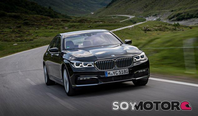 El BMW 740e iPerformance ofrece una combinación impresionante de lujo y eficiencia - SoyMotor