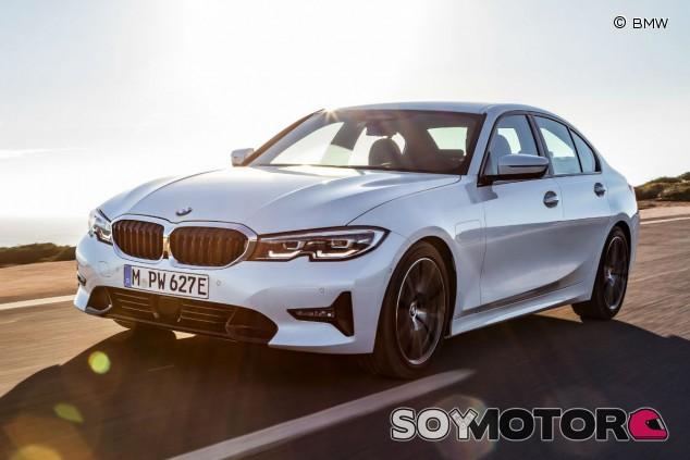BMW 330e 2019 - SoyMotor.com