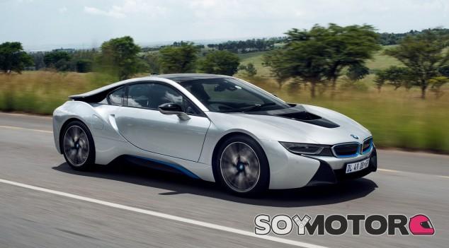 BMW actualiza el i8 con un patrón muy similar al que ya siguió con el BMW i3 hace unos meses - SoyMotor