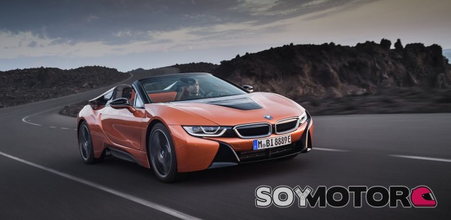BMW i8 Roadster 2018 - SoyMotor.com