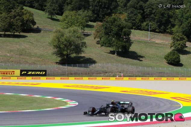 Doblete de Mercedes en Libres 2 con Verstappen al acecho - SoyMotor.com