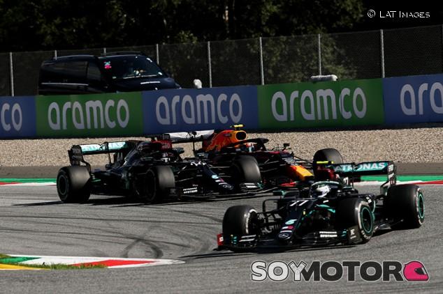 Los equipos grandes tuvieron problemas, pero la buena estrella protegió a Mercedes - SoyMotor.com