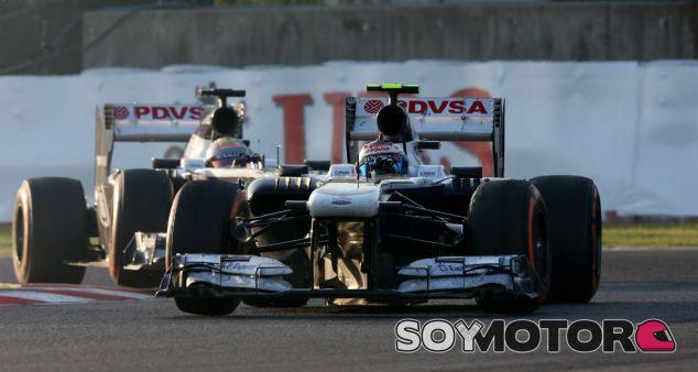 Valtteri Bottas y Pastor Maldonado en Suzuka 2013 - LaF1