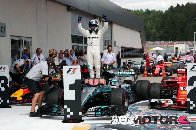 Bottas se lleva un controlado GP de Austria; Alonso y Sainz abandonan - SoyMotor.com