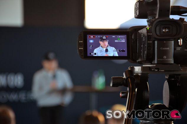 Valtteri Bottas en su rueda de prensa - SoyMotor