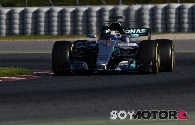 Valtteri Bottas en el séptimo día de entrenamientos de pretemporada en el Circuit de Barcelona-Catalunya - SoyMotor