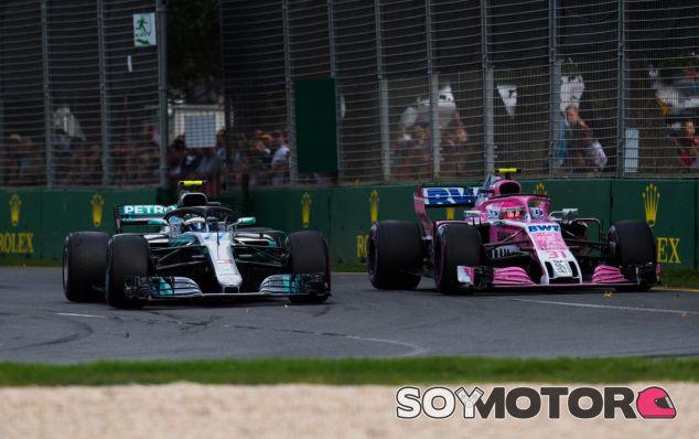 Bottas y Ocon en el GP de Australia 2018 - SoyMotor.com