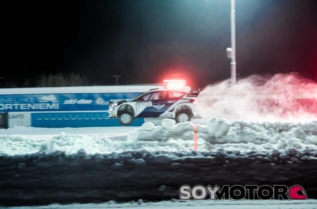 Valtteri Bottas, en el Artic Rally - SoyMotor.com