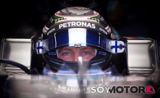 Valtteri Bottas en el filming day de Mercedes en Silverstone - SoyMotor