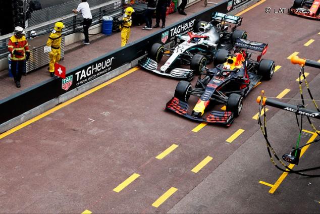 """Bottas, tercero: """"Verstappen no me dejó espacio y por eso pinché"""" - SoyMotor.com"""