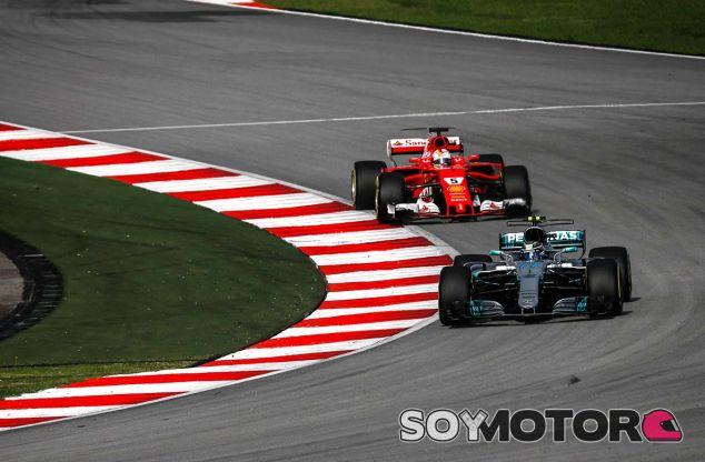 Valtteri Bottas y Sebastian Vettel en Sepang - SoyMotor.com