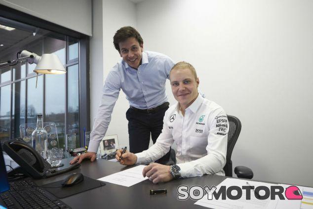 """Bottas: """"Llamé a Toto Wolff el mismo día en que Nico se retiró"""" - SoyMotor"""