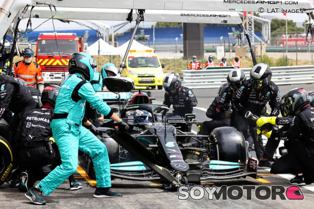 Un error de Bottas condiciona la estrategia de Mercedes - SoyMotor.com