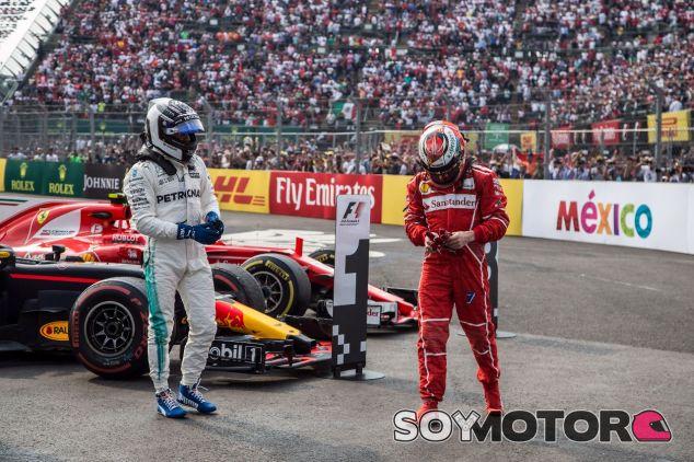 Valtteri Bottas (izq.) junto a Kimi Räikkönen (der.) –SoyMotor.com