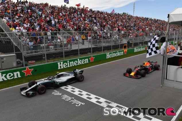 Valtteri Bottas por delante de Max Verstappen -SoyMotor.com