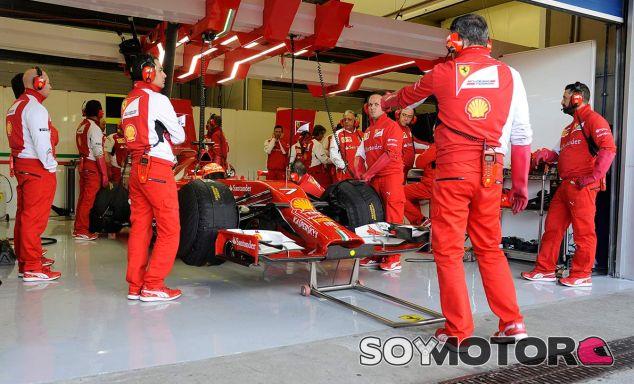 De la Rosa, Gené y Rigon renuevan con Ferrari