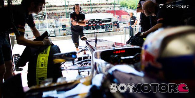 Box de Toro Rosso - LaF1