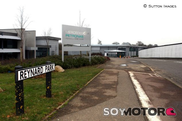 Sede de Mercedes en Brackley - SoyMotor.com