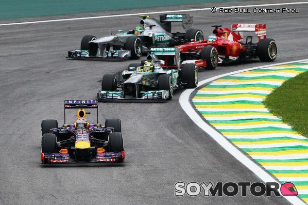 Los motores V8 se despidieron en Brasil 2013, Ecclestone quiere recuperarlos en 2016 - LaF1