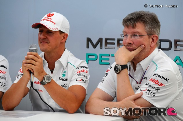 Ross Brawn y Michael Schumacher en Suzuka en 2012 - SoyMotor.com