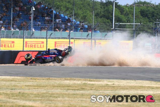 Accidente de Brendon Hartley en Libres 3 - SoyMotor.com