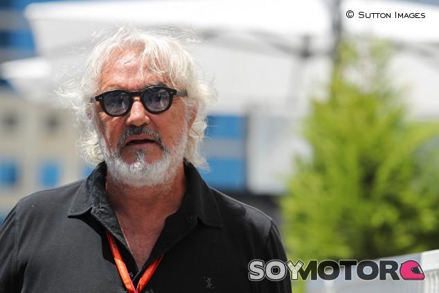 """Briatore: """"En mis 20 años en F1 nunca tuve un accidente entre mis dos pilotos"""" - SoyMotor.com"""
