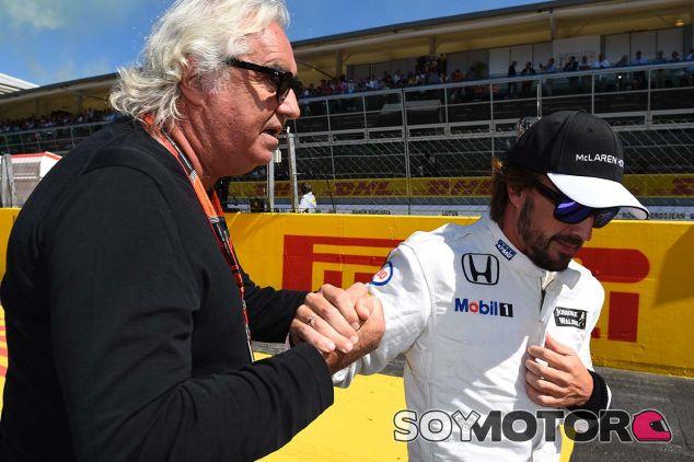 Flavio Briatore y Fernando Alonso en Monza - SoyMotor.com
