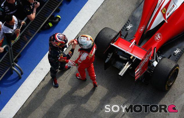 Daniil Kvyat y Sebastian Vettel en China - LaF1