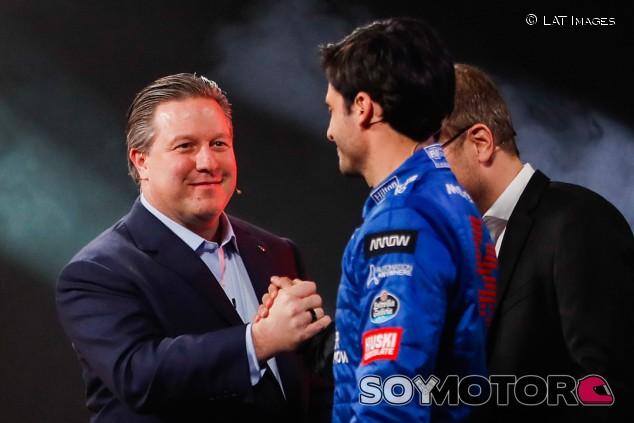 McLaren podía haber bloqueado el fichaje de Sainz por Ferrari - SoyMotor.com