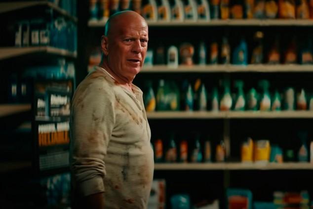 Bruce Willis vuelve a la Jungla de Cristal en un anuncio de baterías de coche