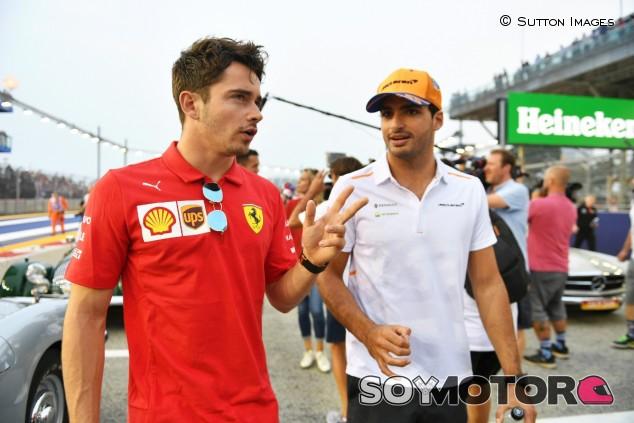 Charles Leclerc y Carlos Sainz en una imagen de archivo - SoyMotor.com