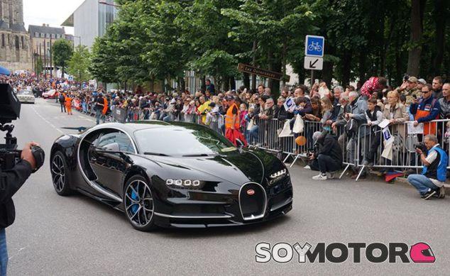 El Bugatti Chiron durante el 'Desfile de Pilotos' celebrado con motivo de las 24 Horas de Le Mans - SoyMotor